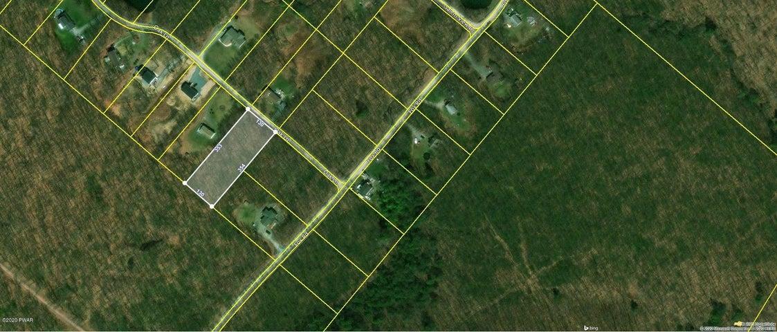 20 Oak Ln, Waymart, PA 18472