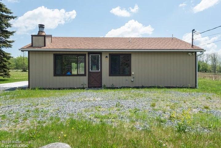 110 Boulder Rd, Lake Ariel, PA 18436