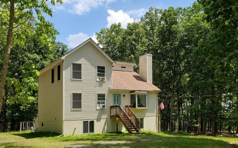 121 Oak Hill Rd, Hawley, PA 18428