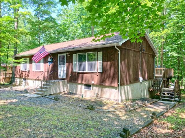 1014 Tomahawk Rd, Lake Ariel, PA 18436