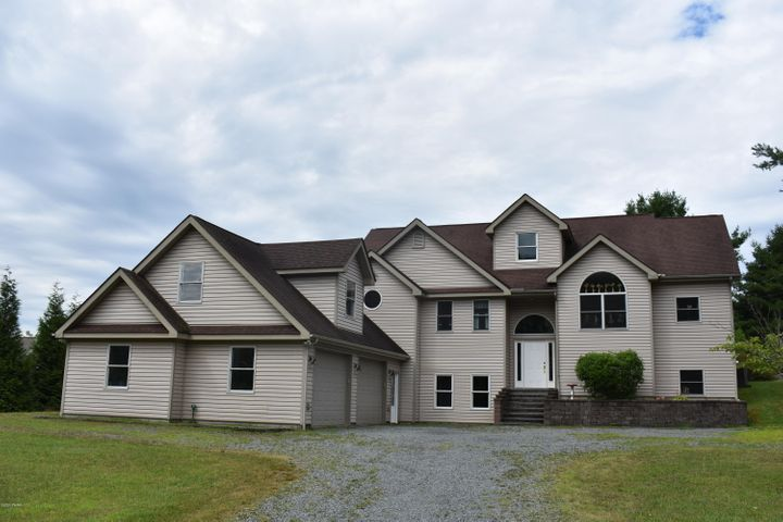 116 Orchard Drive, Lords Valley, PA 18428