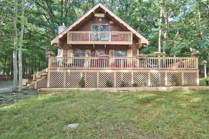 165 Constitution Dr, Lackawaxen, PA 18435