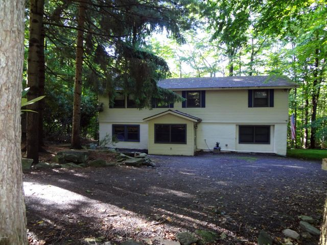 103 Huckleberry Ln, Greentown, PA 18426