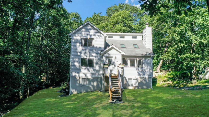 102 Nicole Ct, Dingmans Ferry, PA 18328