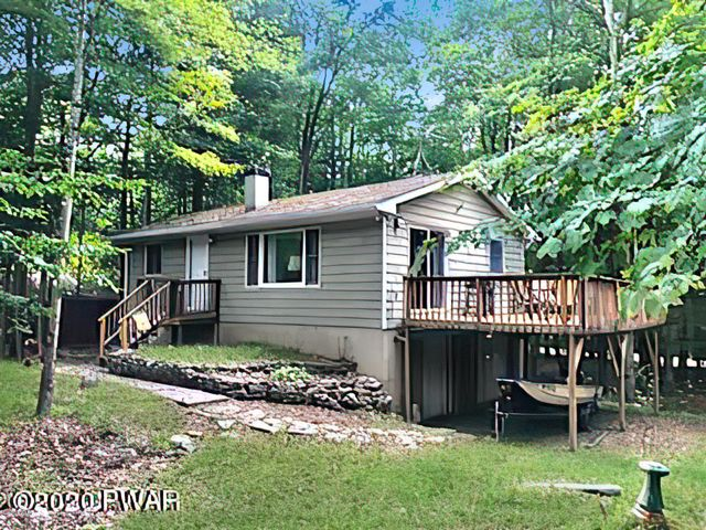 35 Honey Bear Rd, Lake Ariel, PA 18436