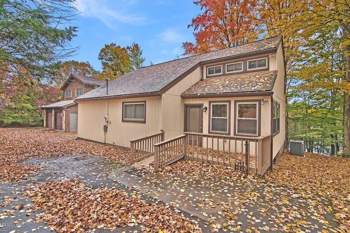 (192) 565 Lakeview Dr, Lake Ariel, PA 18436