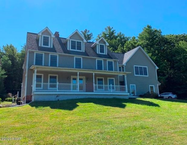 112 Paupack Heights Dr, Paupack, PA 18451