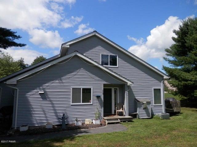 110 Glen Combe Cir, Milford, PA 18337
