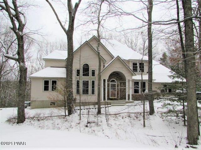 807 Sunset Ct, Lords Valley, PA 18428
