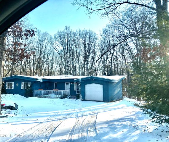 104 Country Club Drive, Lords Valley, PA 18428