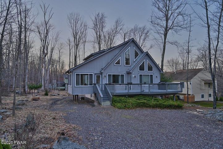 8 Fairway Ct, Lake Ariel, PA 18436
