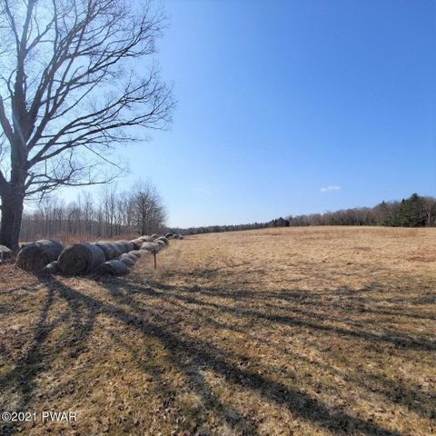 1982 Great Bend Tpke, Honesdale, PA 18431