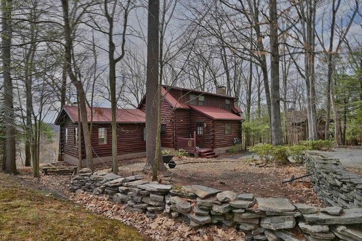 5 Vista Ct, Lakeville, PA 18438