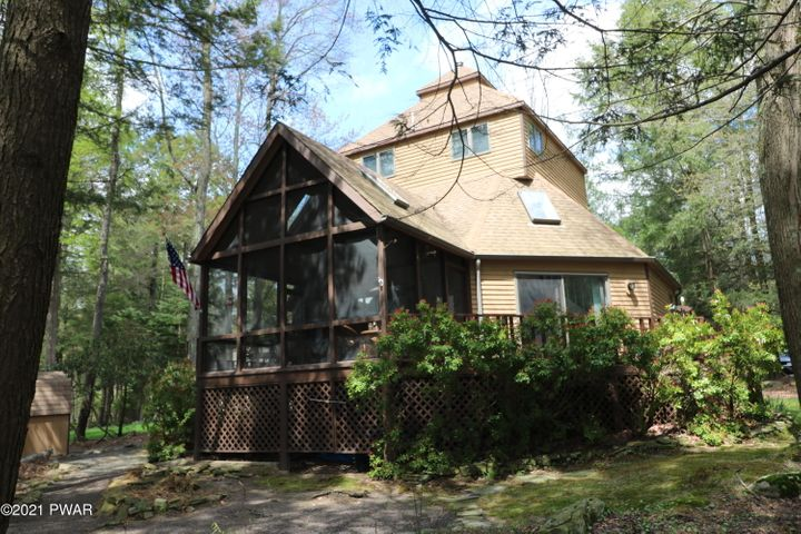 55 Deerfield Rd, Lake Ariel, PA 18436