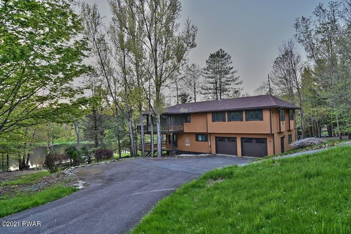 177 & 175 Brookfield Rd, Lake Ariel, PA 18436