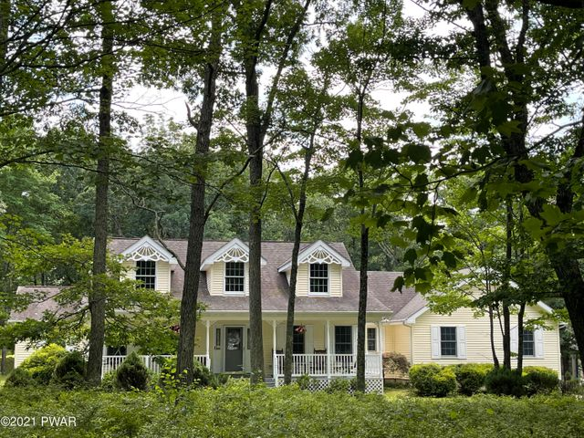 110 Gaskin Dr, Lords Valley, PA 18428