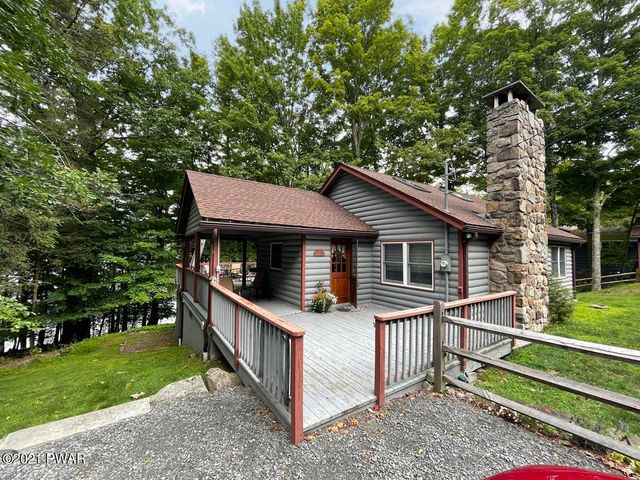 142 Water Front Dr, Greentown, PA 18426