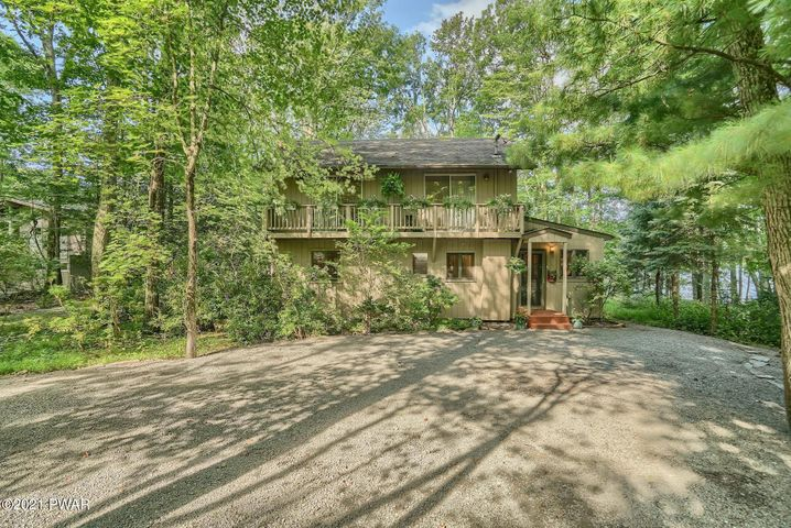 142 Forest Dr, Lords Valley, PA 18428