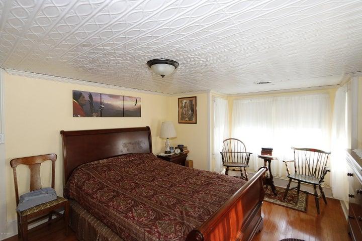 496 Bidwell Hill Rd