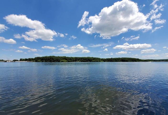 66 Lake Dr