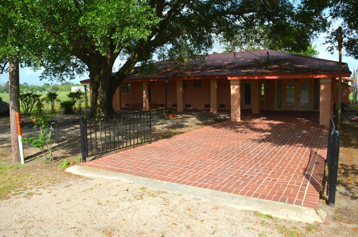 8317 Weeks Island Road, New Iberia, LA 70560