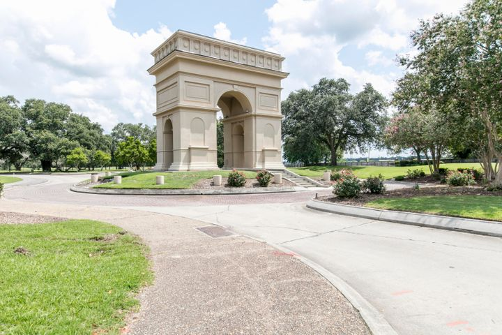 1112 Le Triomphe Parkway, Broussard, LA 70518 Photo #36