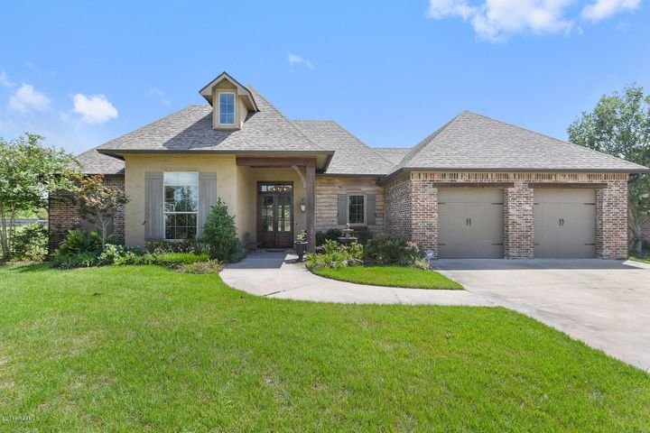 100 Fountain View Drive, Youngsville, LA 70592