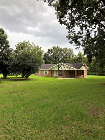 1782 Prayer House Road, Opelousas, LA 70570