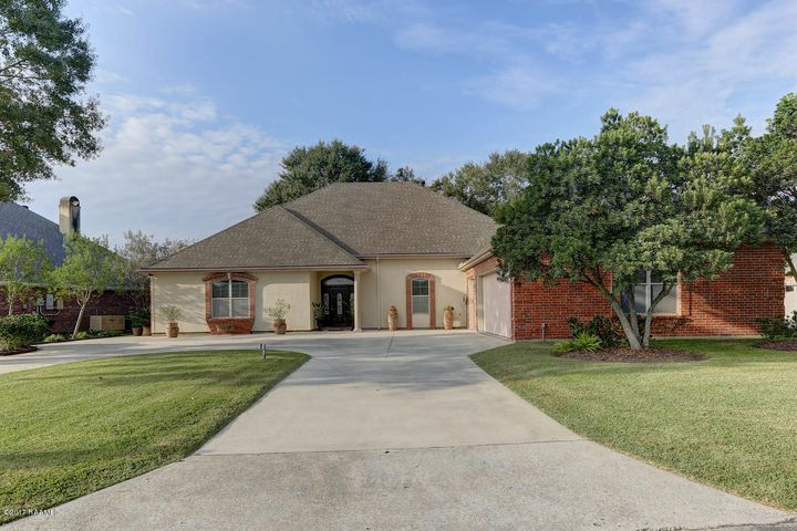 1819 Squirrel Run Drive, New Iberia, LA 70560