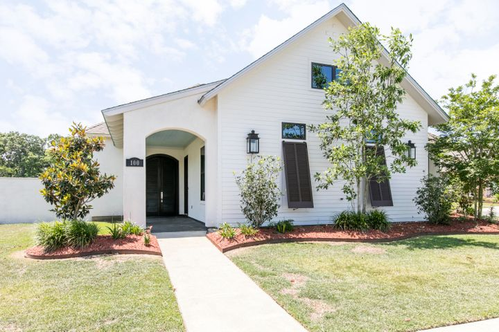 100 Perdu Hill Run, Youngsville, LA 70592