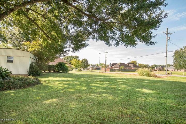 101 Village Green Drive, Youngsville, LA 70592