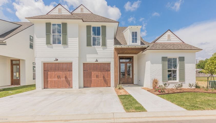Located in gated subdivision, Green Farms.