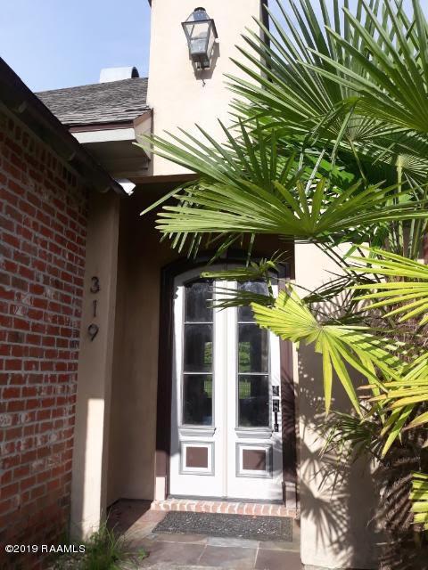 319 La Villa Circle, Youngsville, LA 70592