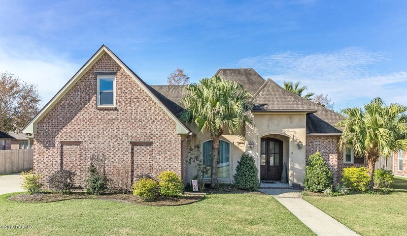 412 Mill Pond Drive, Youngsville, LA 70592