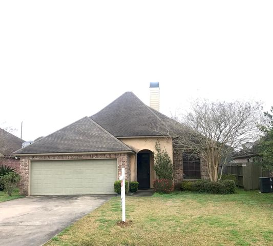 106 Legend Creek Drive, Youngsville, LA 70592