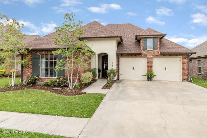 108 Spring View Drive, Youngsville, LA 70592