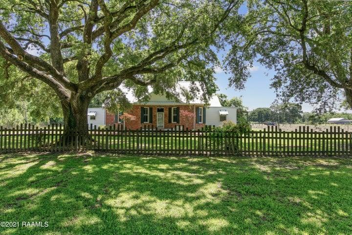 4961 Verot School Road, Youngsville, LA 70592