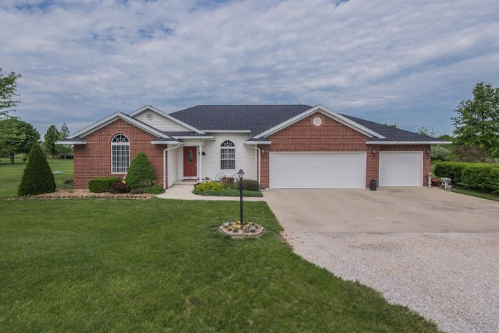 1093, County Rd 2330, Moberly, MO 65270