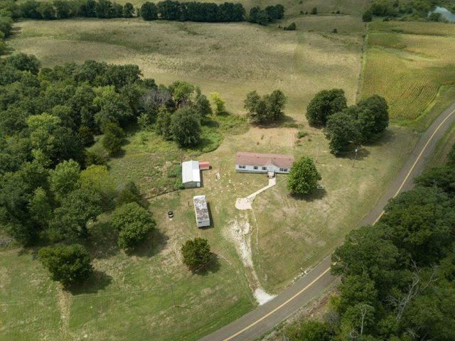 32285 State Highway P, New Cambria, MO 63558