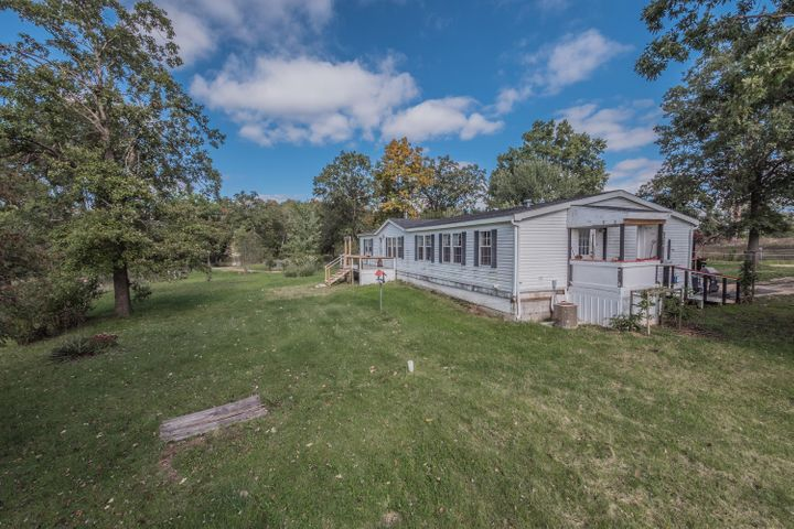 1210, Private Road 2717, Moberly, MO 65270