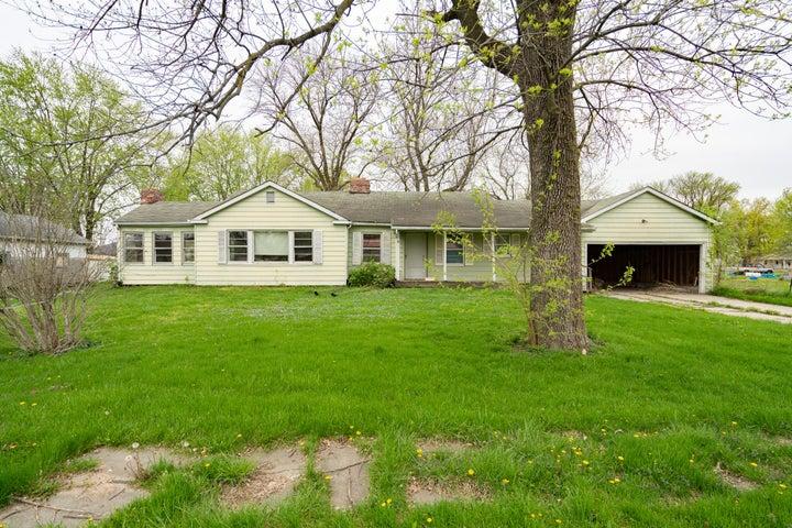 208 Morris St., Clark, MO 65243
