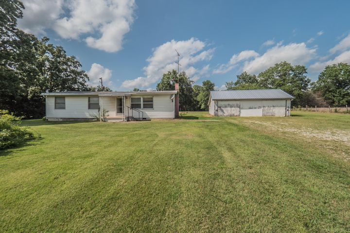 4589 E Highway 24, Moberly, MO 65270