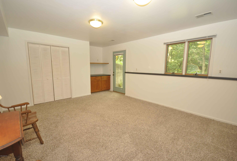 2408 Russit Ne Grand Rapids Mi 49525 Sold Listing Mls 15039631 Greenridge Realty Inc