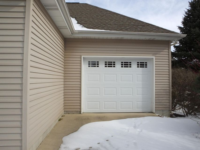 7642 Hidden Lake Drive Hudsonville 49426 Sold Listing Mls Garage Mi