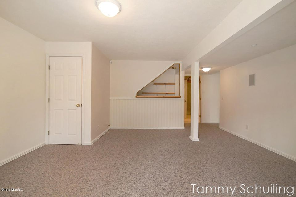 4380 idlewood drive sw wyoming mi 49519 sold listing for Idlewood flooring