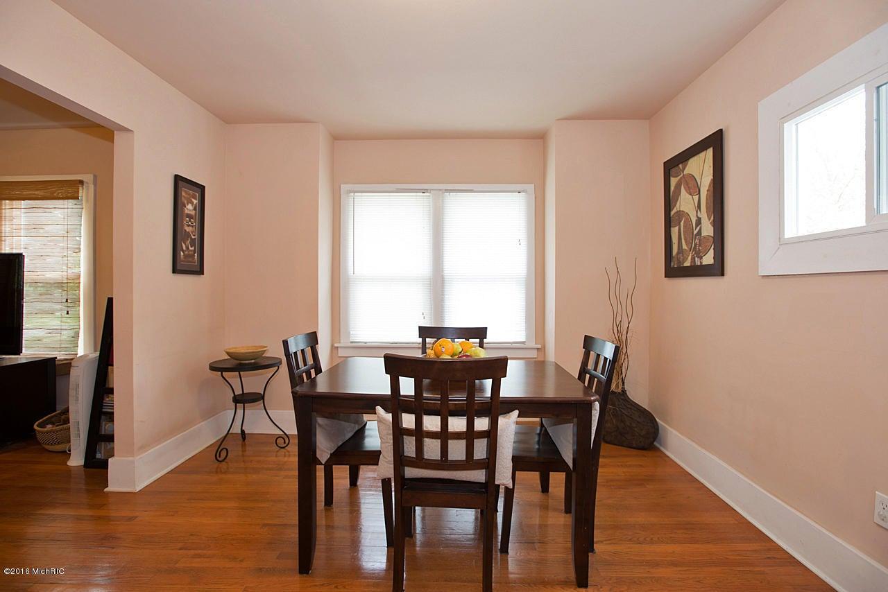 2018 commonwealth avenue kalamazoo mi 49006 sold for Hardwood floors kalamazoo