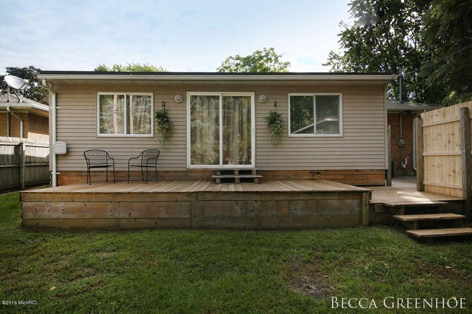 1345 Carlton Avenue Ne Grand Rapids Mi 49505 Sold