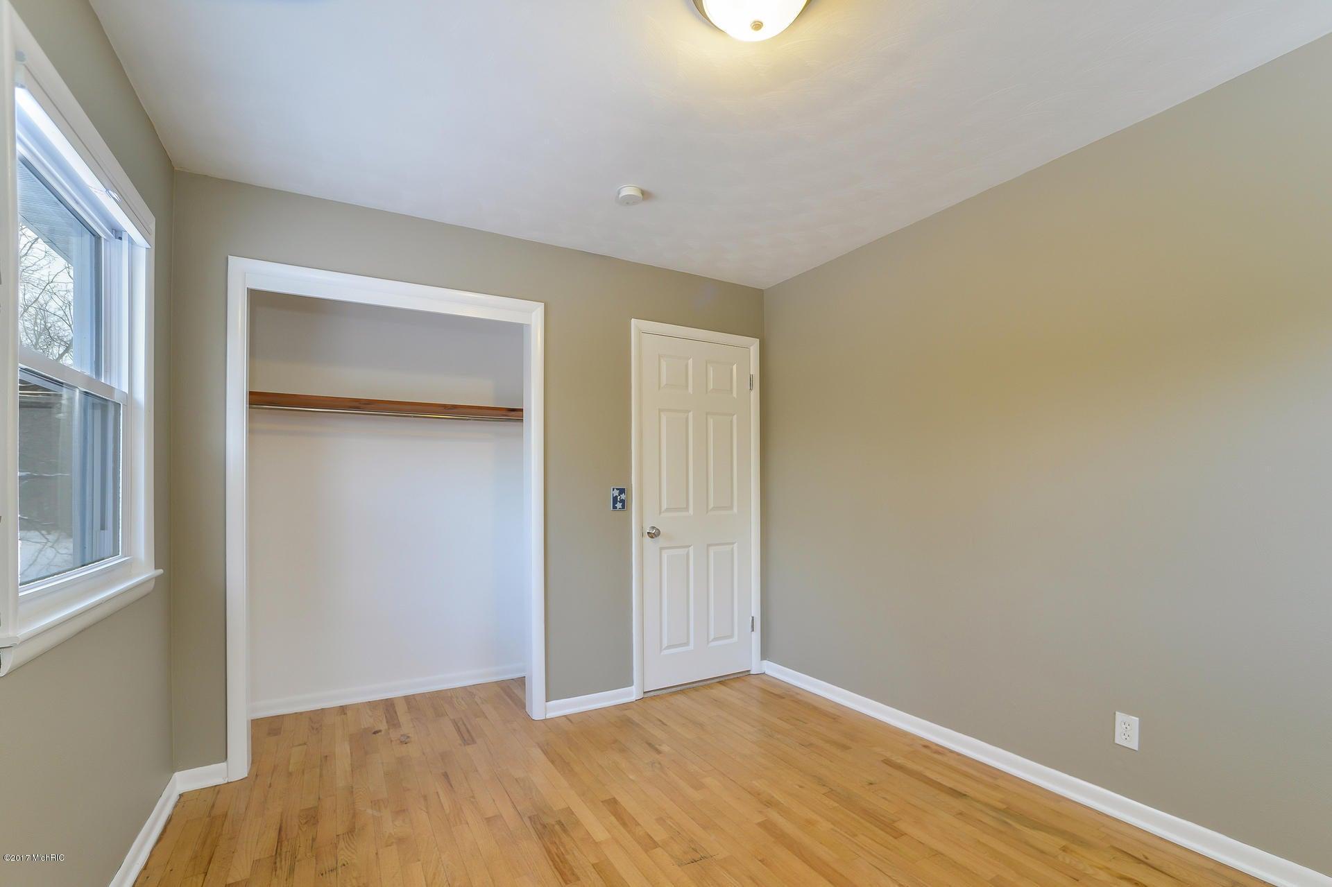 013-Bedroom 2-3668432-medium