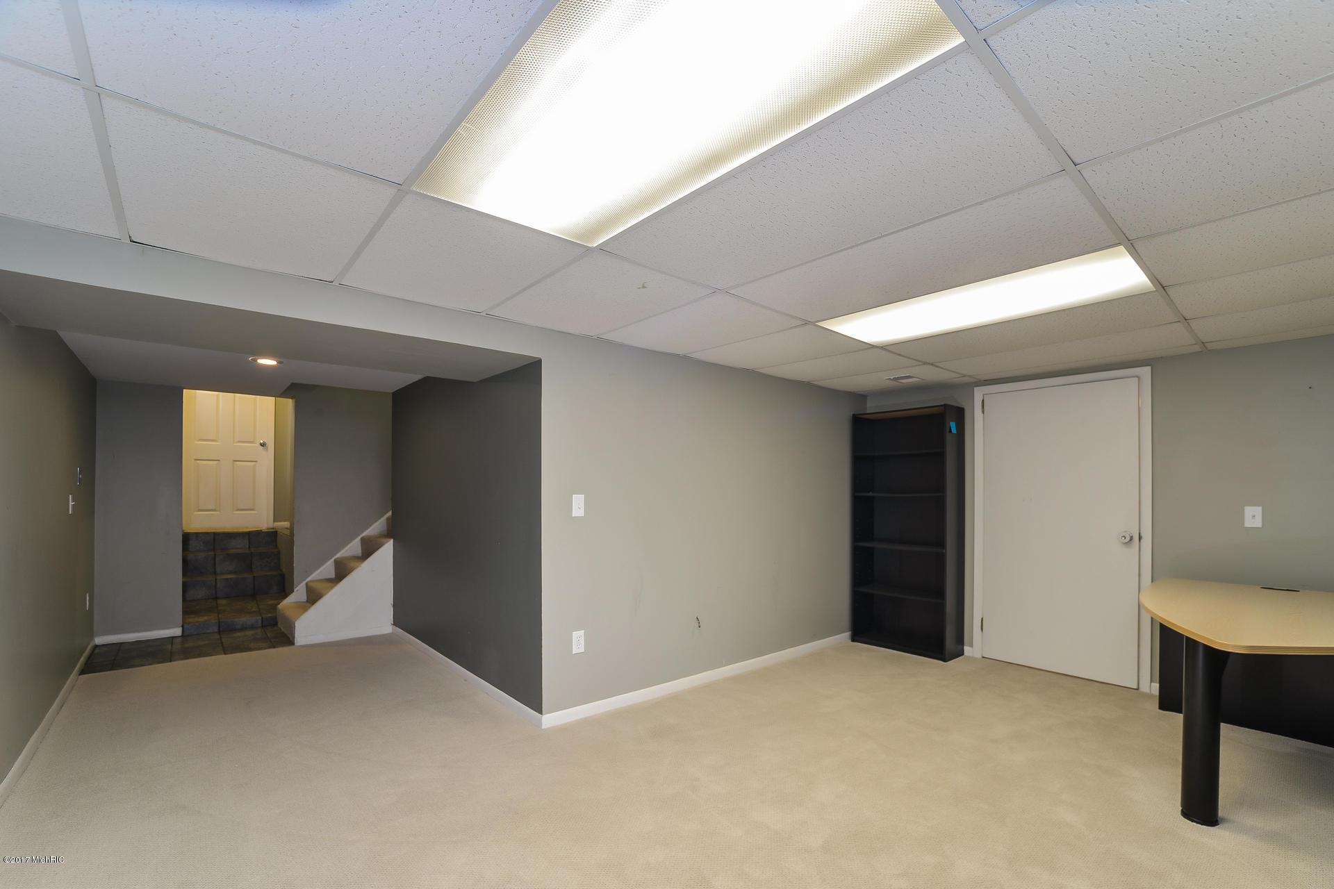 022-Lower Rec_Room-3668435-medium