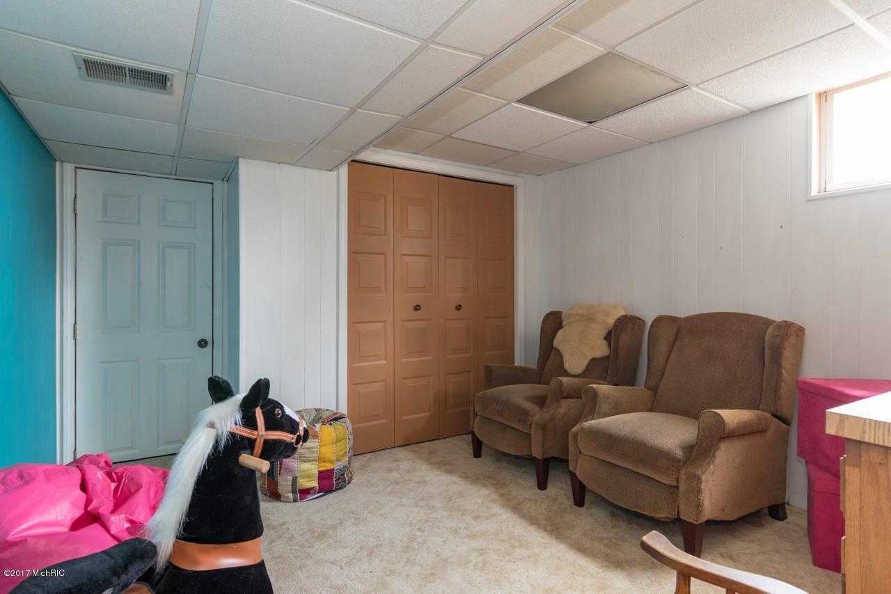 3720 Pine Tree Terrace, Portage, MI 49024, MLS # 17012109 | Jaqua ...